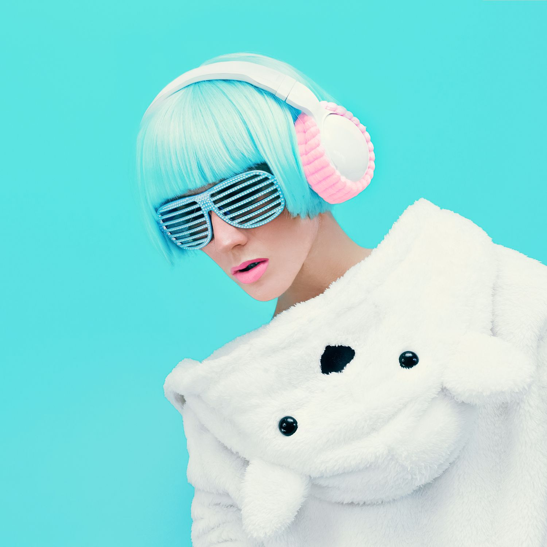 https://alternativeprod.com/portfolio/headsets-glasses-girl/
